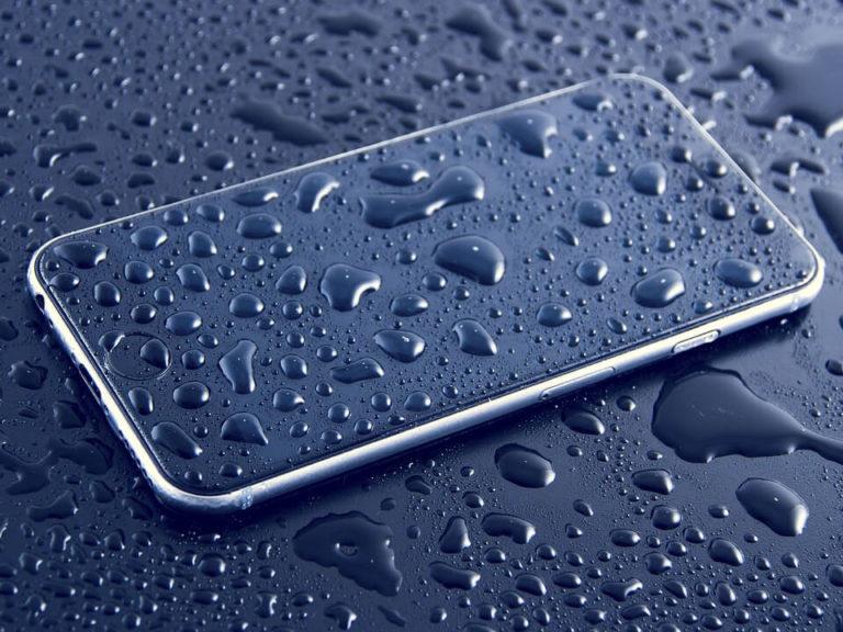 Šta da radite ako vam telefon upadne u vodu?